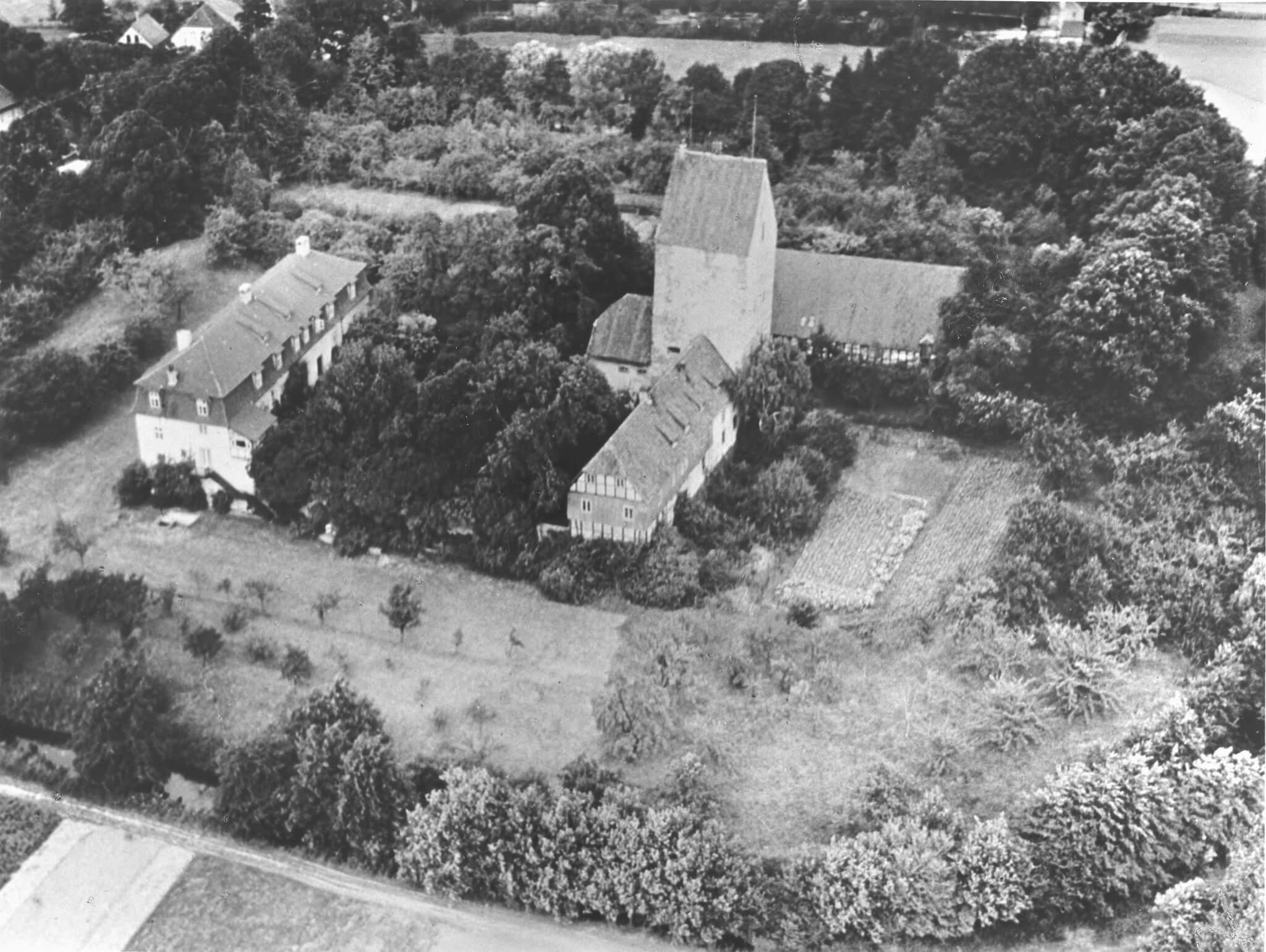Alte schwarzweiß Luftaufnahme der Burg Wittlage